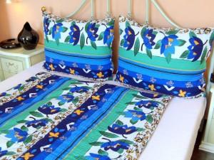 Posteľné obliečky: Zeleno - modré kvety