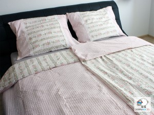 Posteľné obliečky: Ružové kvietky a prúžky s čipkou