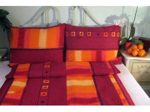 Posteľné obliečky: Červeno - oranžové štvorce