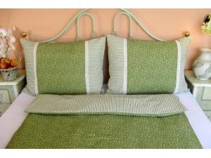 Krepové posteľné obliečky: Olivové kvietky a prúžky s čipkou
