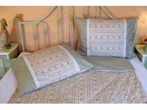 Bavlnené posteľné obliečky: Ružovo-zelené venčeky s čipkou