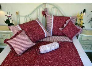 Bavlnené posteľné obliečky: Bordové kvietky a prúžky s čipkou