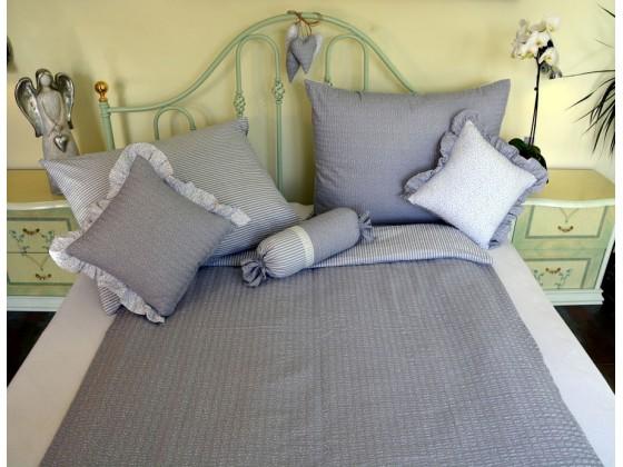 Bavlnené posteľné obliečky: Strieborné kvietky a prúžky tmavé
