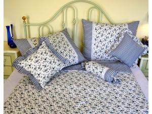 Bavlnené posteľné obliečky: Nevädzovomodré kvietky a prúžky s čipkou